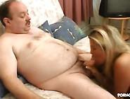 Ze Betaalt De Rekening Met Seks