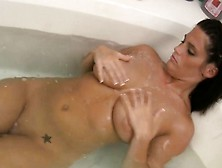 Lengthy Bathing Program Of The Curvaceous Woman That Is Ama