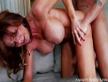 Horny And Turned On Milf Deauxma