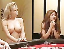 video Carmen Electra Strip Poker.
