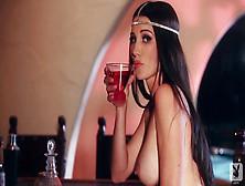 Bar Star With Erika Knight