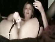 Wild And Freaky Amateur White Lady Dildoing Herself On Cam