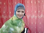 Horny Muslim Babe Talks Dirty Webcam