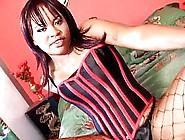 Ebony Kandi Kream's Bubble Butt Gets Pounded