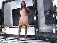 Black Porn Goddess India Plying With Her Pussy In The Shower
