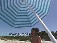 Süße Strandmuschi Wird Am Fkk Strand Gebolzt