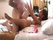 Dövmeli Kadınla Masajlı Seks