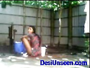 Desiunseen. Com. Bengali Couple Fucking While Taking Outdoor Bath