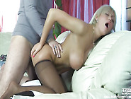 Leggy Milf Din't Mind That His Dick Will Be So Big For Her Pucke