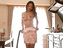 Reiko Kobayakawa Gets Her Pussy Eaten And Fucked Remarcably Well