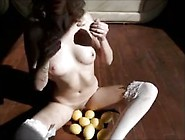 Girl Loves Lemons