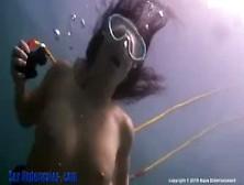 Daisy Duxx Hookah Whore Underwater