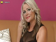 Lexa Ahot Bbw Play With Her Dildo