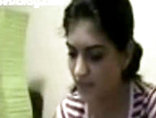 Indian Girl Showing Boobs At Webcam In Chat