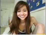 Novinha Linda Masturbando Buceta Na Webcam