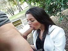 Señorita Latina Follando En Un Parque Público