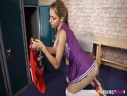 Teen Cheerleader Ass Is Smoking Hot Up Her Skirt