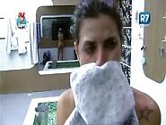 Ana Paula Minerato - Pagando Peitões Na Fazenda 8 - Banho
