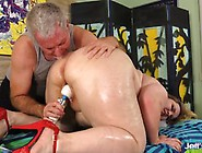 Plumper Nikky Wilder Satisfied By A Masseur