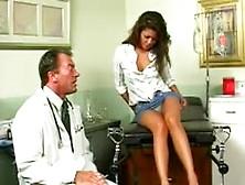 Médico Fode Sua Paciente Adolescente