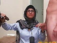 Arabian Girl Mia Khalifa Jerking White And Black Meat