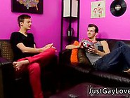 Small Gay Fuck Porn First Time Jasper's Mom Is Letting The Guys