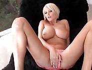 Hanna Hilton - Bounce