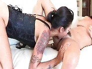 Charley Chase Se Tape Une Belle Asiatique