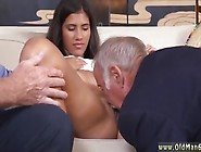 Amateur Bj Tits Going South Of The Border