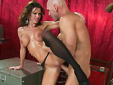 Sexpot Veronica Avluv Squirts Profusely When Big Dick Fills Her