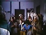 Helena Ramos In A Ilha Das Cangaceiras Virgens (1976)