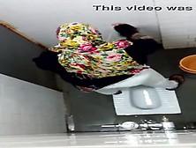 Hijab Wc Toilet Pee Public Hidden Cam
