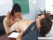 The Teacher Seduced A Student After School In The Class And Made