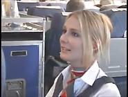 Sous La Jupe De L'hotesse Dans Un Avion