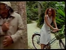 Panty Thief And Cfnm (Matou A Familia E Foi Pro Cinema)