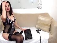 Webcam Model Brunette Krysalove Posing Nude