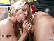 Bleached Milf Emma Starr Gives A Hot Deepthroat