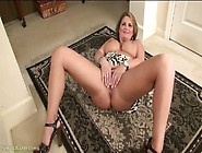 Beautiful Curves And Big Tits On This Hot Solo Milf