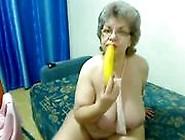 Versaute Oma Macht Es Sich Mit Der Banane Einfach Mal Selbst