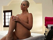 Perfect Les Masseuse Tribbing With Busty Babe