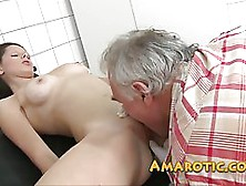 Fresh Girl Is Having Casual Sex With An Older Guy In The Hospita