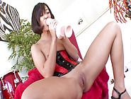 Jandi Lin Loves Big Toys