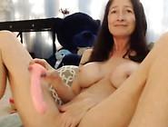 Stunning Skinny Mature Squirting Her Juicy Vagina