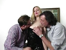 Reife Swinger - Naughty Mmf Threesome With Mature Amateur German