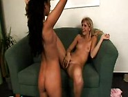 Two Lesbians Kissing Then Fisting Hot