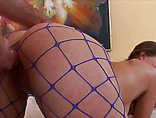 Roxana Gets Her Pussy Banged Through The Hole In Her Pantyhose