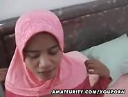 Tudung Main Dengan Mat Saleh
