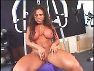 Female Bodybuilder Rhonda Toys And Fucks