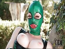erotik b latex lucy