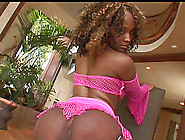 Ebony Chick With A Curly Hair And A Perfect Ass Does Some Riding
